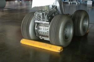 005~Main_landing_gear